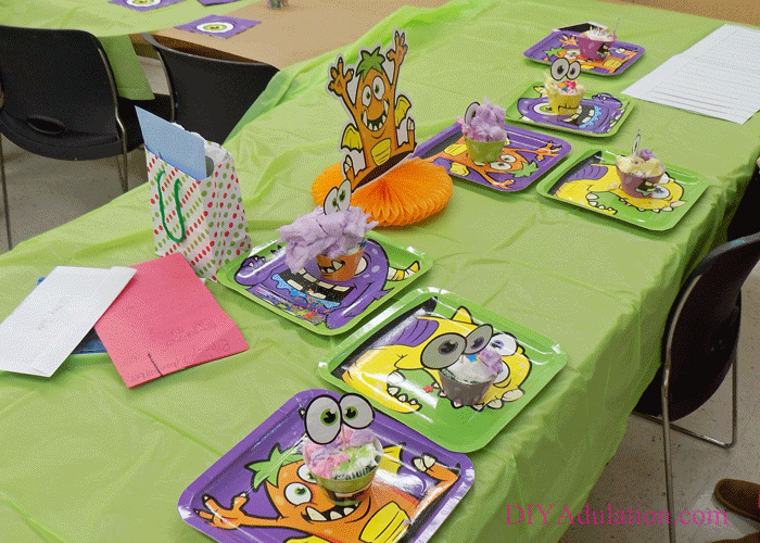 Find out how to throw a Cupcake Wars monster party for less than $100. Surprise your aspiring young baker with a party he'll never forget! #ad