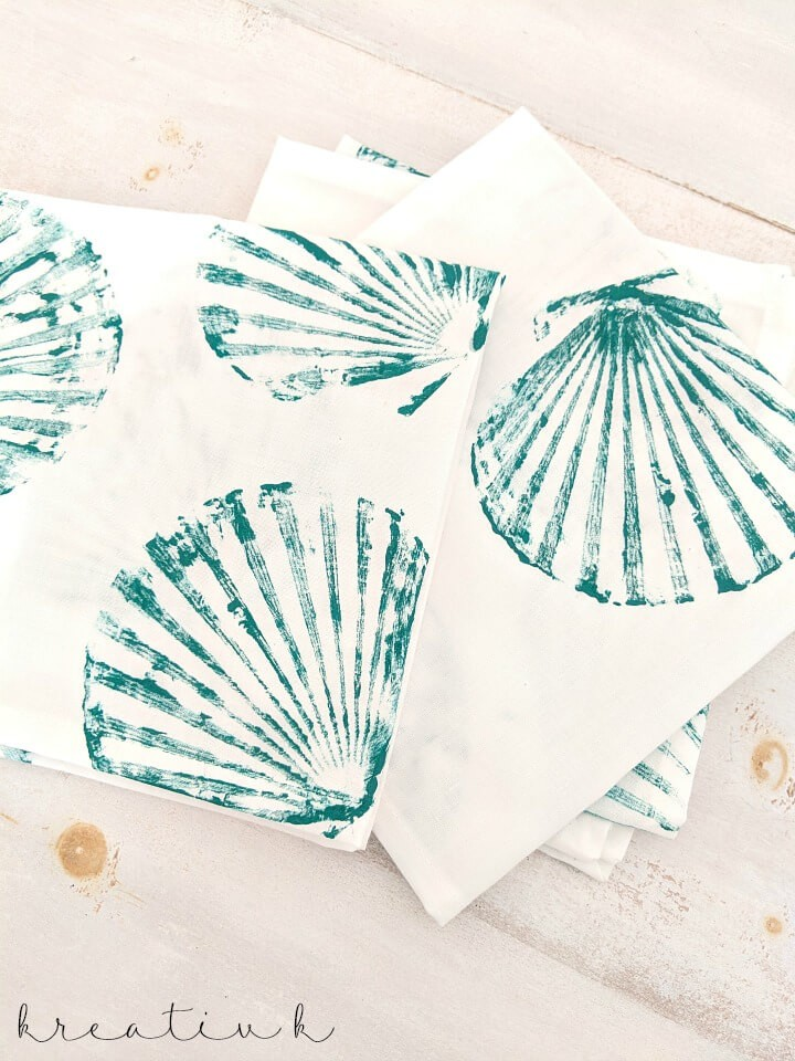 Shell stamped napkins