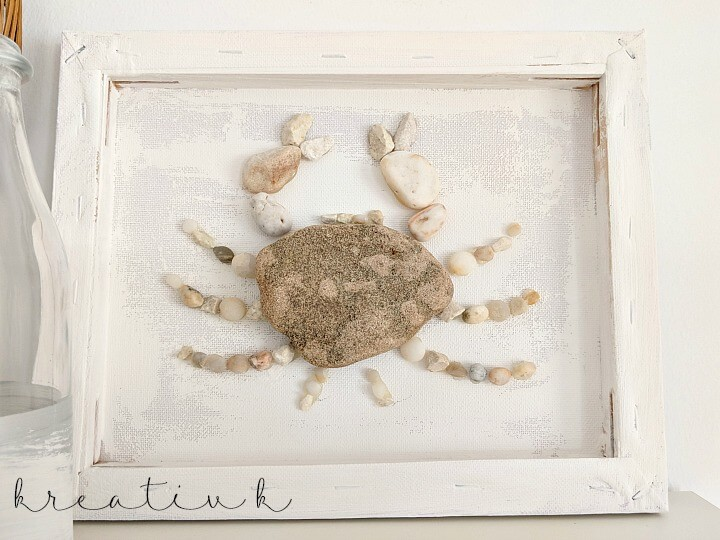 Crab artwork made out of rocks