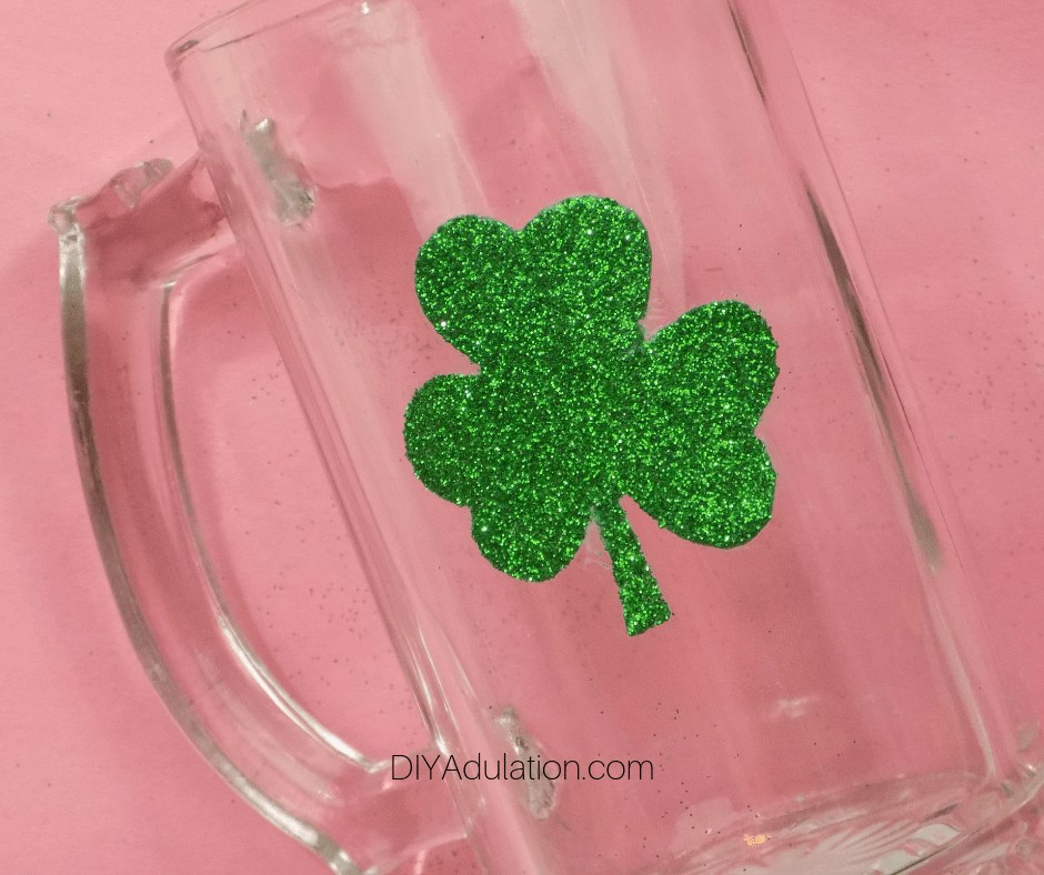 Green Glitter Shamrock on Clear Glass Stein