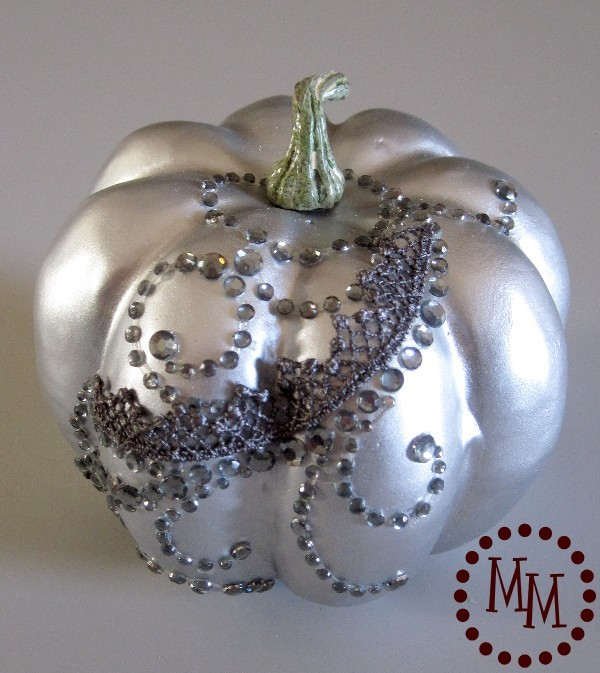 Silver pumpkin with lace and bling