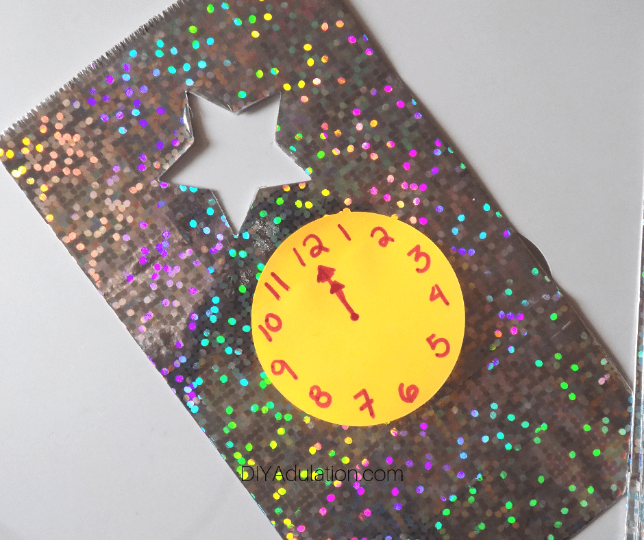 Holographic Star Gift Bag with Clock on the Front