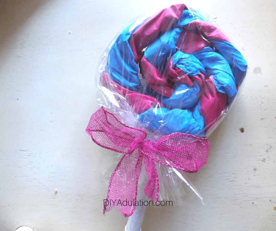 Pink Bow on Tissue Paper Lollipop