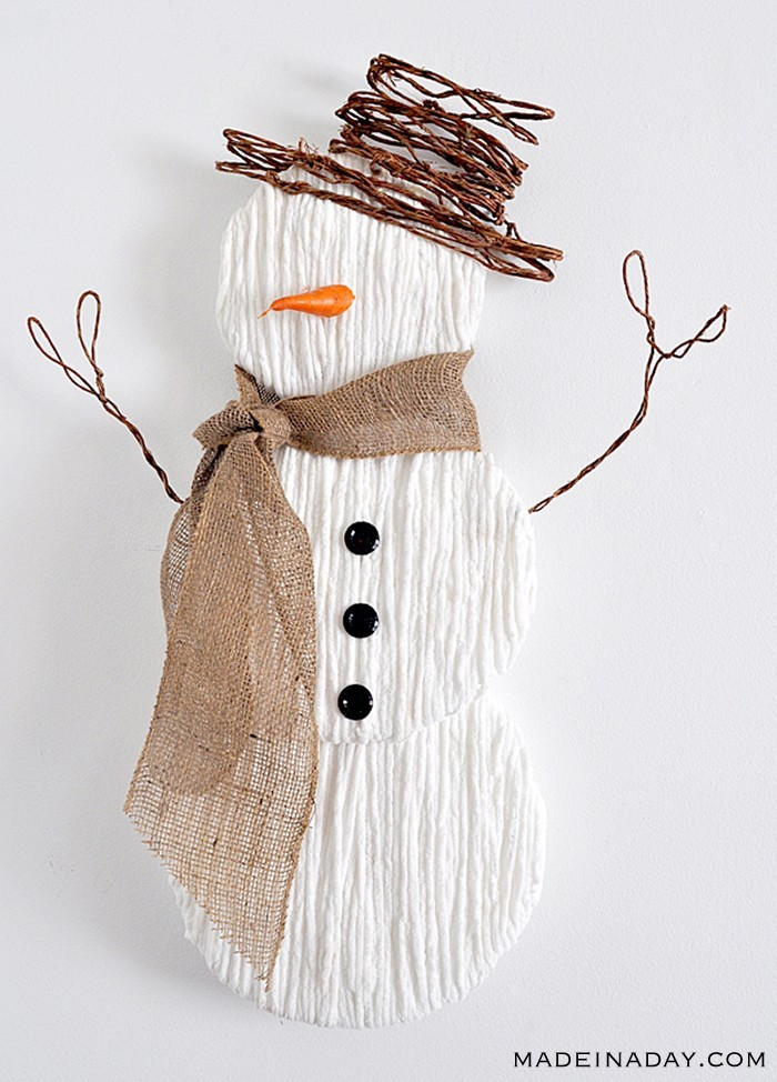 Yarn snowman wall hanging