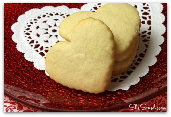 pile of heart cookies